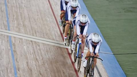 Laura Trott, Joanna Rowsell, Elinor Barker and Katie Archibald win women's team pursuit