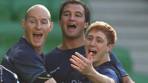 Ryan Hodson (centre) playing for Melbourne Rebels