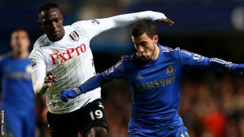 Fulham re-sign midfielder Mahamadou Diarra on a deal until the end of the 2013-14 season.
