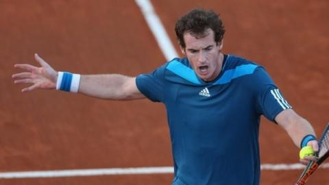 Great Britain finished Friday 1-0 down in the tie against Italy although Andy Murray leads 6-4, 5-5 in his singles rubber against Andrea Seppi.