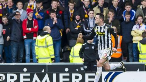 St Mirren's Steven Thompson