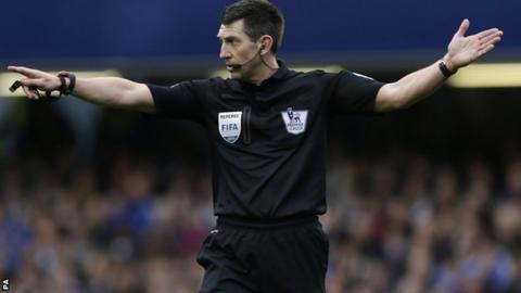 Referee Lee Probert