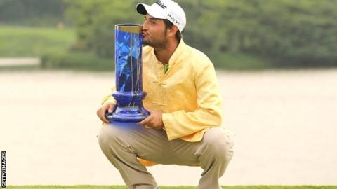 Alexander Levy with the China Open trophy
