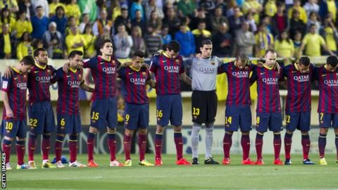 Barcelona players pay tribute to Tito Vilanova