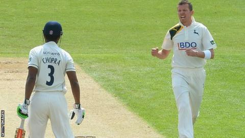 Notts paceman Peter Siddle dismisses Varun Chopra