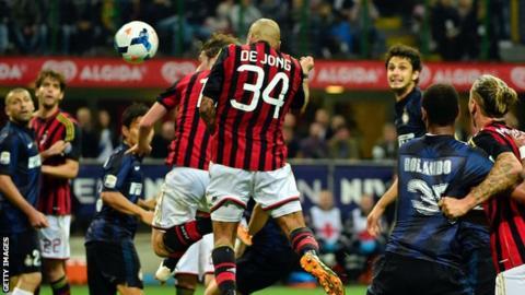 Nigel De Jong scores Milan winner against Inter