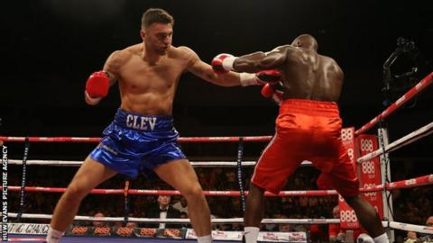 Nathan Cleverly (L) in action against Shawn Corbin