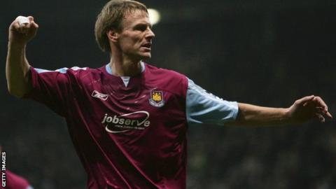 Teddy Sheringham as a West Ham player