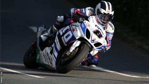 William Dunlop in Isle of Man TT practice action on Friday evening
