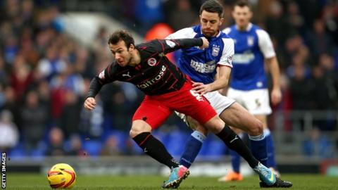 Adam Le Fondre in action for Reading