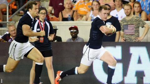 Stuart Hogg scores a try for Scotland against USA