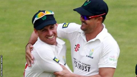 Mark Wallace celebrates with Jacques Rudolph after taking a Kent wicket