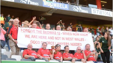 Wales rugby fans, whose banner became a social media sensation, reveal a new one at Saturday's second Test against South Africa.