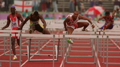 Victoria 1994: 110m hurdles World record holder Colin Jackson successfully defended his Commonwealth title with fellow Welshman Paul Gray winning bronze.