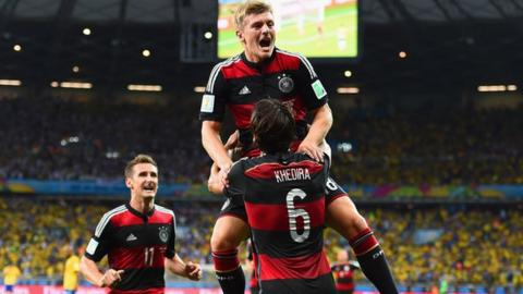 Toni Kroos scores his second and Germany's fourth against Brazil