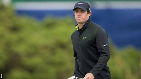 Rory McIlroy leads the Scottish Open after round one