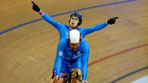 Glasgow 2014: Fachie & Maclean take sprint tandem gold