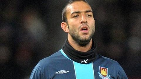Mido Has Put On A Few Pounds | The Huffington Post