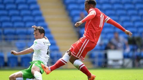 Nicky Maynard scores for Cardiff City