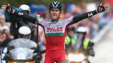 Thomas celebrates his win.