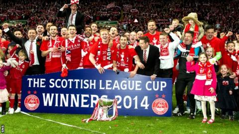 Aberdeen celebrate their League Cup win