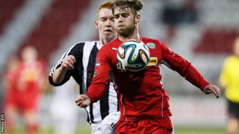 James Knowles scores twice as Cliftonville beat Wakehurst 6-0 in the League Cup