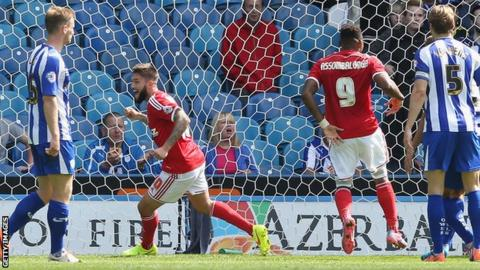 Henri Lansbury of Nottingham Forest celebrates scoring
