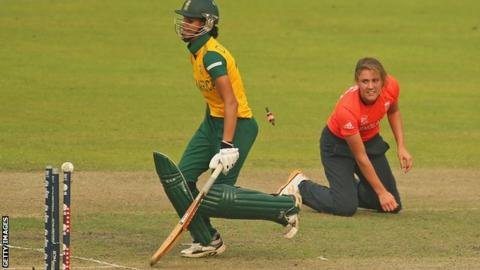 Natalie Sciver runs out South Africa's Moseline Daniels