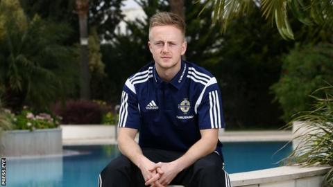 Ben Reeves has pulled out of NI squad to face Hungary with a hamstring injury