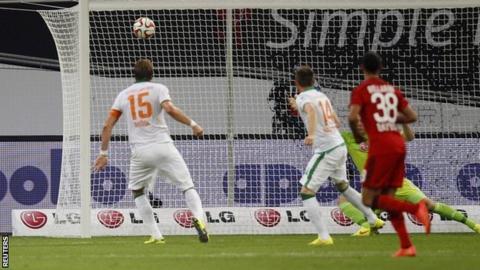 Sebastian Proedl scores late equaliser for Bayer Leverkusen