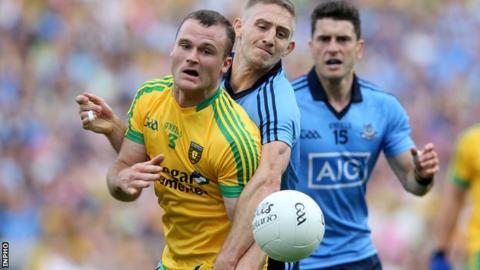 Neil McGee and Dublin's Eoghan O'Gara