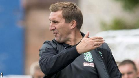 Hibernian manager Alan Stubbs saw his side lose 1-0 to Queen of the South.