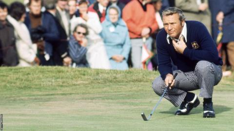 Arnold Palmer lining up a putt at Muirfield in 1973