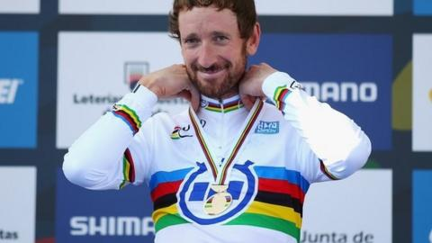 Bradley Wiggins with his world time trial gold medal