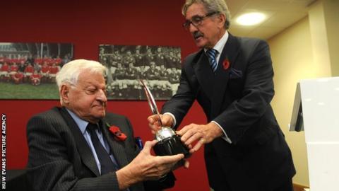 Ray Williams and Gerald Davies