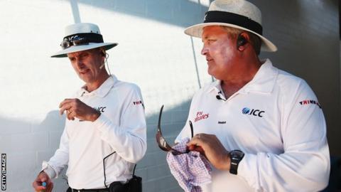 Billy Bowden & Steve Davis