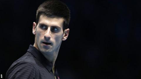Novak Djokovic takes on Stan Wawrinka