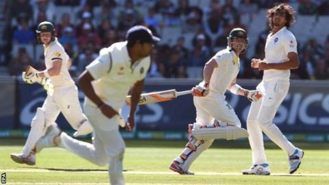 Australia pair Brad Haddin and Steven Smith run between the wickets