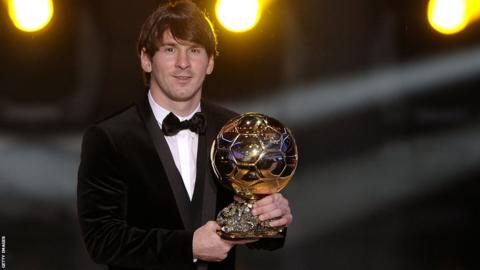 Lionel Messi wins the Fifa Ballon d'Or award for second time in January 2011