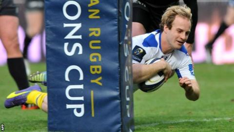 Nick Abendanon dives over to score Clermont's first try in their win over Saracens