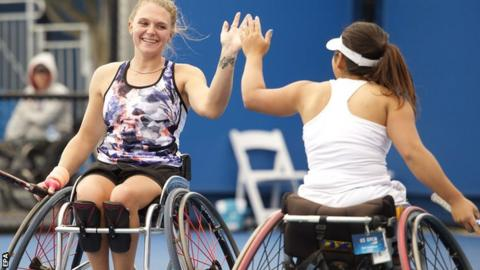 Jordanne Whiley (left) with Yui Kamiji