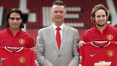 Manchester United manager Louis Van Gaal (centre) with Radamel Falcao (left) and Daley Blind
