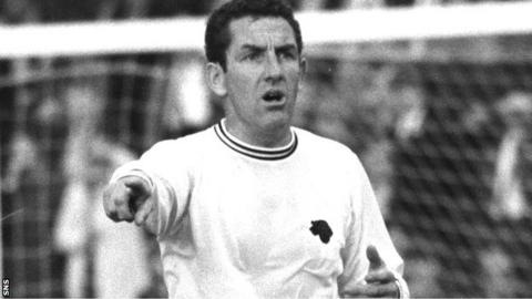 Dave Mackay in action for Derby
