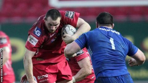 Ken Owens in action for Scarlets against Leinster