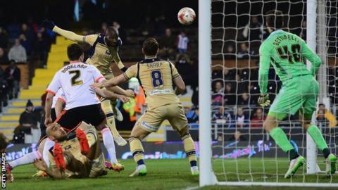 Sol Bamba scores for Leeds