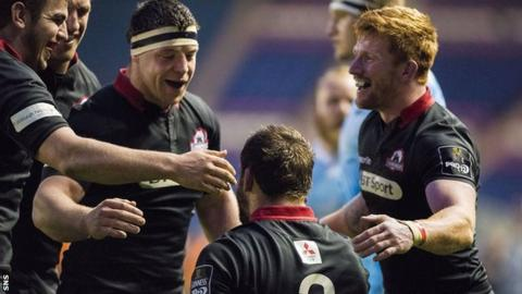 Alasdair Dickinson (centre left) helped Edinburgh warm-up for the Gloucester clash with a 37-0 win over Zebre