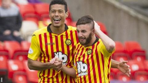 Partick Thistle's Steven Lawless (right) celebrates with Lyle Taylor