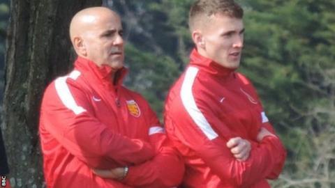 Simon Petulla (left)