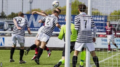 Colin McMenamin scores for Stenhousemuir against Queen's Park