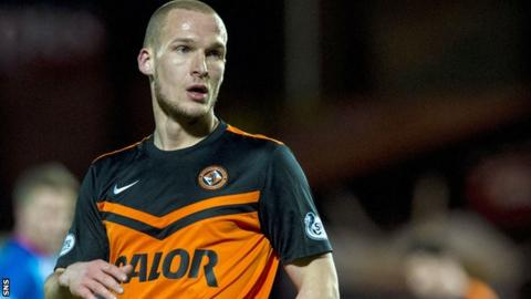 Jaroslaw Fojut in action for Dundee United